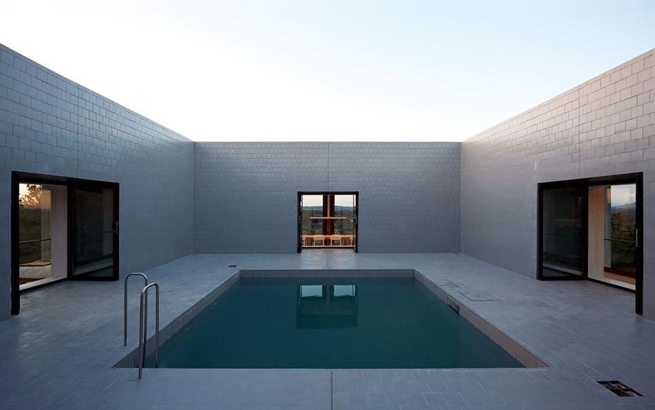 0pezo von ellrichshausen Architects - solo house casa pezo
