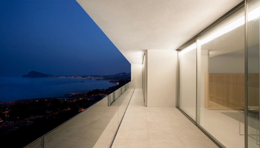 17fran silvestre arquitectos - House on the Cliff